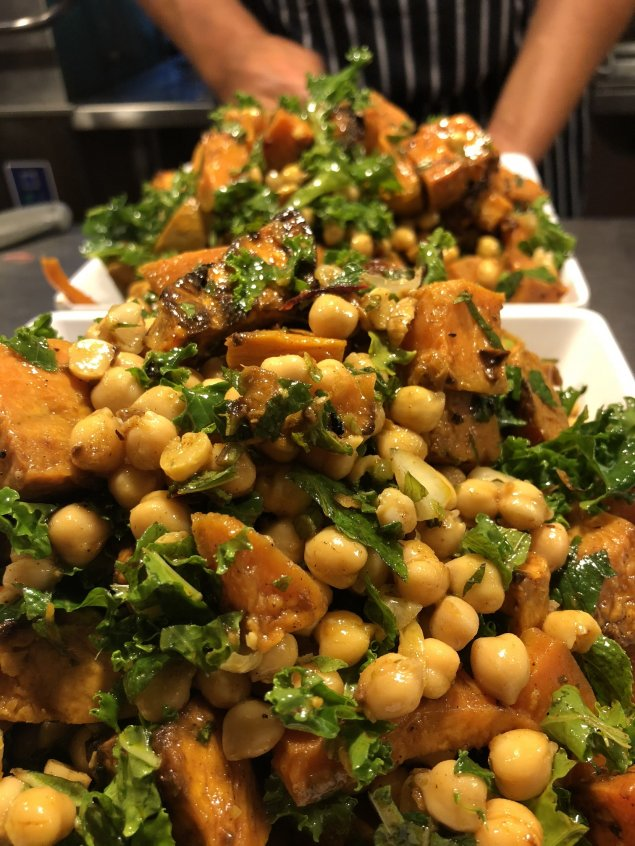 Moroccan Carrot Salad Cup w/ Chickpeas & Orange Yoghurt Dressing