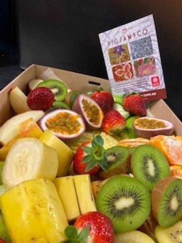Fresh Seasonal Fruit Box-Medium