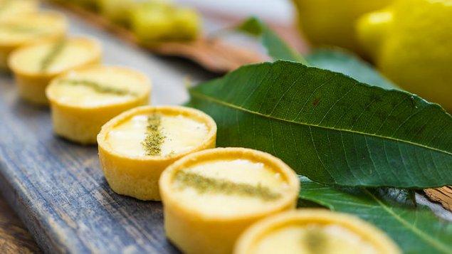 Lemon & Finger Lime Curd Tartlet